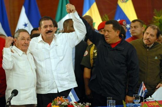 Zelaya con presidente latinoamericanos