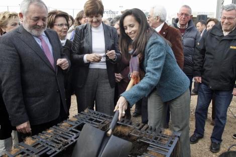 Pirmera piedra del proyecto de viviendas en alquiler a 150 euros al mes